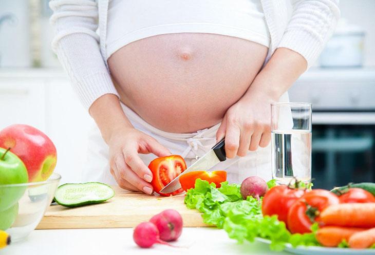 Ăn uống khoa học tốt cho dạ dày mẹ bầu