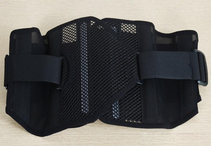 Đeo đai lưng thoát vị đĩa đệm Bonbone giúp cố định cột sống thắt lưng