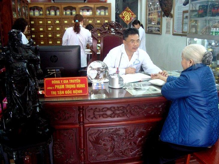 Lương y Phạm Trọng Hùng có chuyên môn cao trong điều trị các bệnh về dạ dày, tiêu hóa