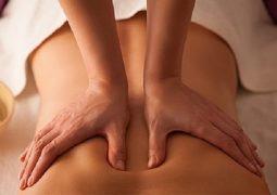 massage thoát vị đĩa đệm