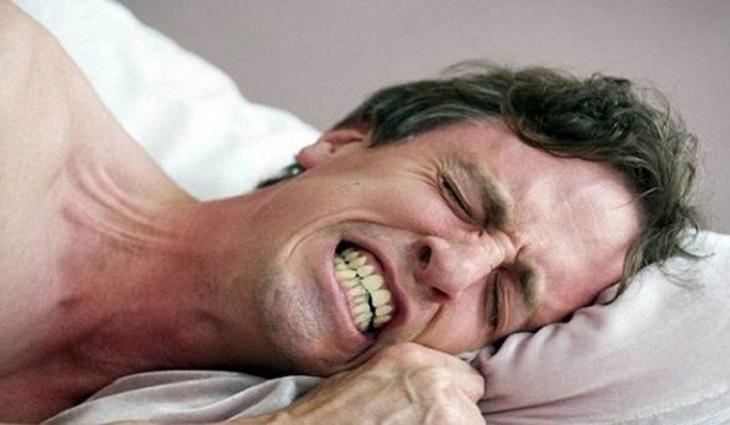 Phần lớn người nghiến răng khi ngủ đều do di truyền
