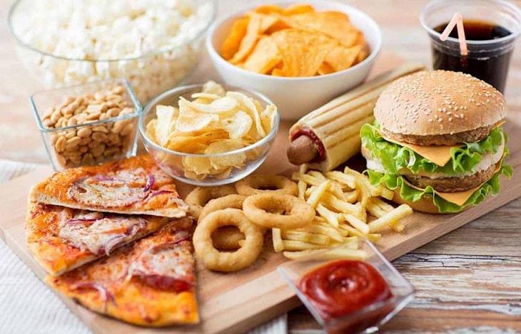 Chất béo khiến bệnh nhân tăng cân và tạo thêm gánh nặng cho hệ xương khớp