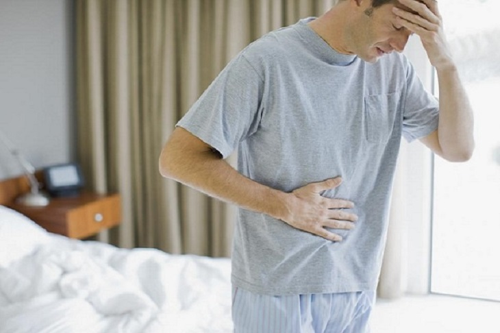 Nước tiểu sủi bọt nhẹ, mệt mỏi kéo dài ảnh hưởng đến sinh hoạt hàng ngày