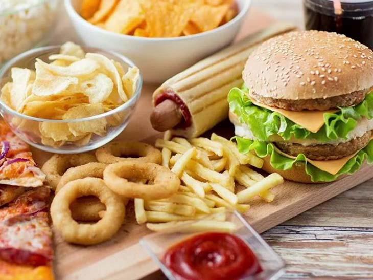 Đồ ăn nhanh và đồ đóng hộp chứa nhiều chất phụ gia, bảo quản có hại cho cơ thể bé