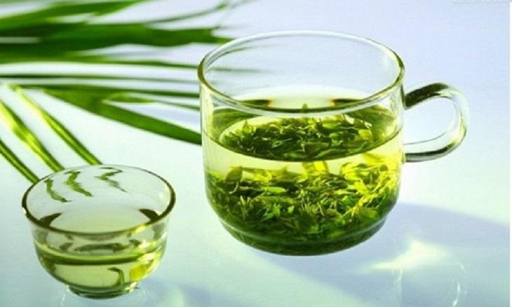 Nước lá đinh lăng mang lại nhiều công dụng tốt cho sức khỏe