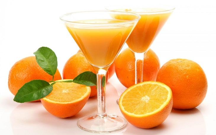 Nước cam có tác dụng tăng cường sức khỏe tương đối tốt