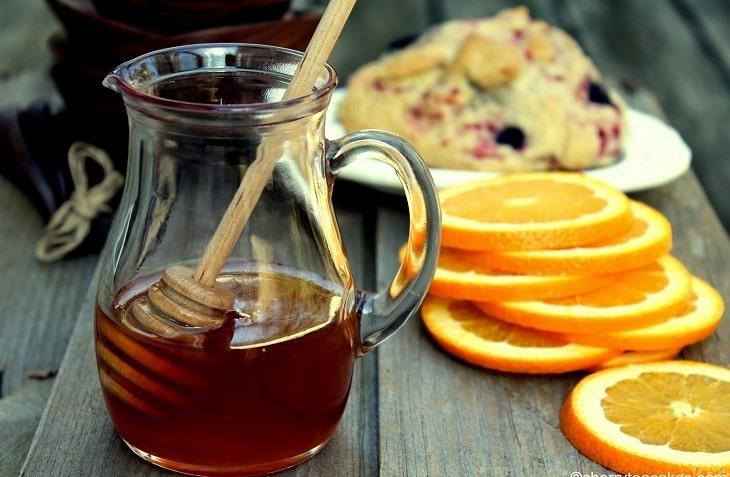 Nước cam có thể kết hợp cùng mật ong để uống tăng hiệu quả