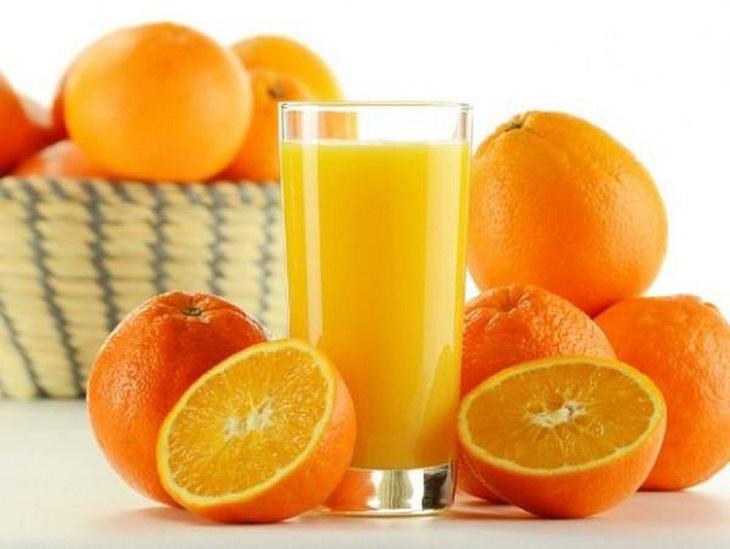 Vitamin A trong nước cam có thể phòng tránh những bệnh về mắt