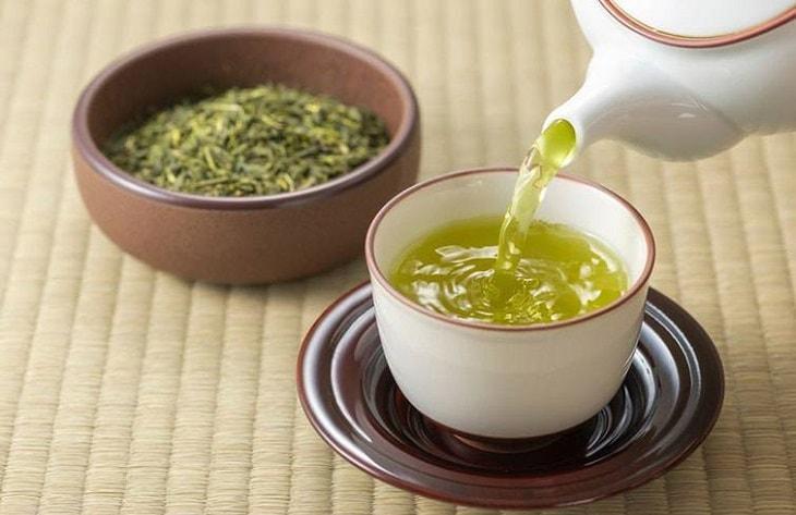 Uống trà xanh có tác dụng gì tốt cho sức khỏe