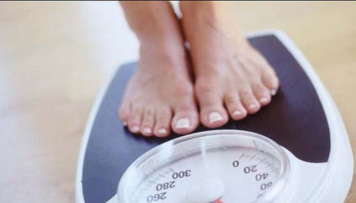 Chị em uống trà xanh một thời gian có thể giảm cân hiệu quả