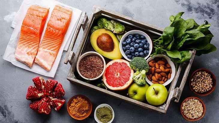 Không nên ăn những món sống vì đây chính là nguồn lây khuẩn hại cho dạ dày
