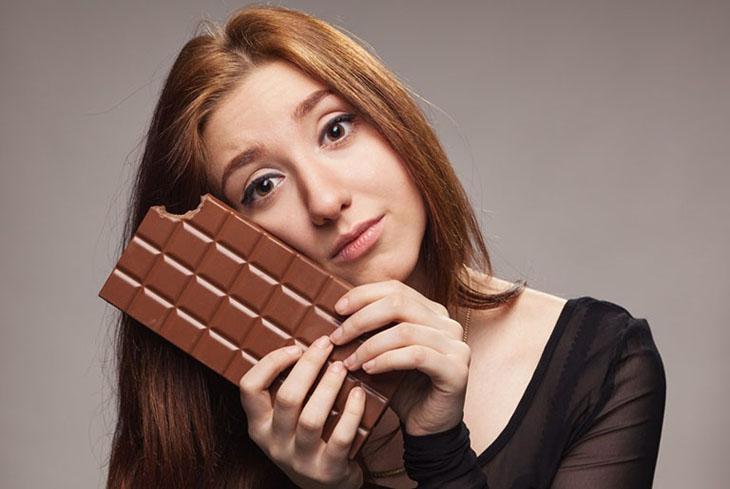 Ăn socola có mất ngủ không? Đây là một trong số những tác hại của socola đối với sức khỏe