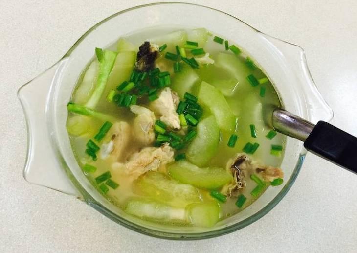 Canh vịt nấu bí xanh giúp thanh nhiệt, bổ dưỡng, an thần