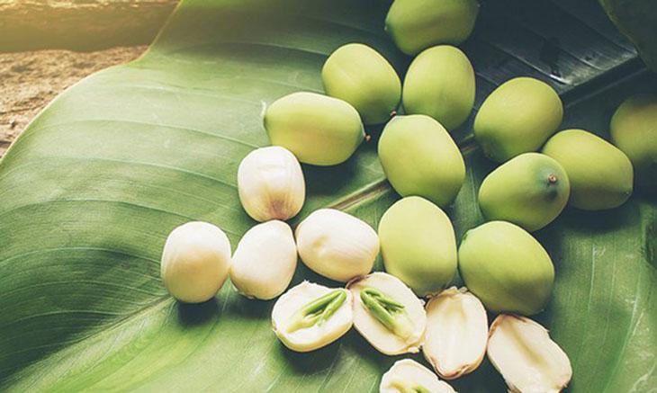 Hạt sen bổ dưỡng, được dùng để bồi bổ cơ thể cho phụ nữ mang thai.