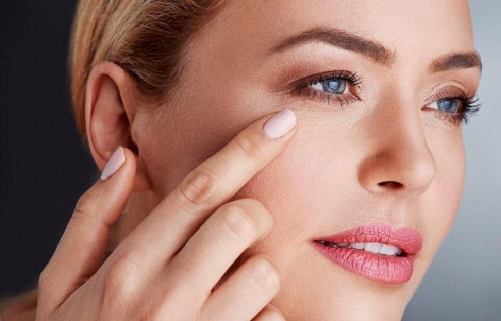 Dầu mù u nếu sử dụng đúng cách cũng có thể giảm thiểu đáng kể các nếp nhăn trên khuôn mặt