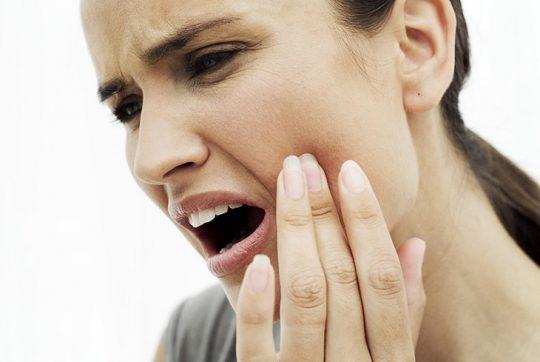 Người bị đau răng khôn có thể sử dụng một số loại thuốc Tây để điều trị