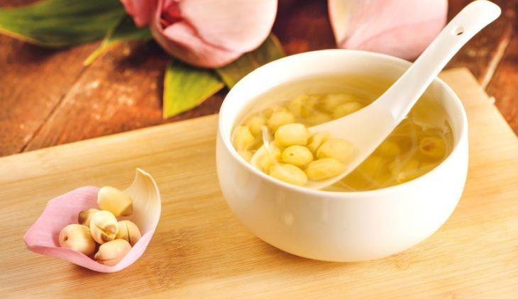 Chè hạt sen là món ăn thanh nhiệt, dinh dưỡng, an thần