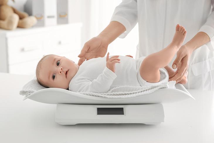 Còi xương do thiếu canxi là nguyên nhất phổ biến nhất gây ra bệnh rối loạn giấc ngủ ở trẻ