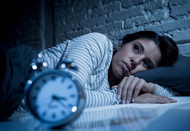 Mất ngủ trong thời gian dài khiến người bệnh mệt mỏi, lo âu
