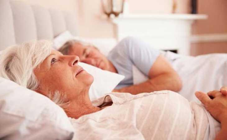 Khi tuổi càng cao tình trạng mất ngủ càng diễn ra thường xuyên