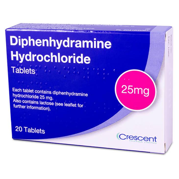 Người bệnh dùng Diphenhydramine để trị dị ứng và giúp ngủ ngon giấc hơn