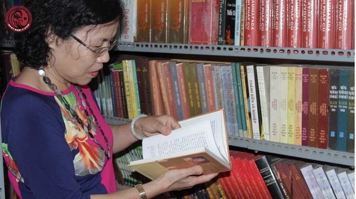 Bác sĩ Vân Anh đã nhiều lần tới Huế để sưu tầm những tư liệu cổ của Thái Y Viện xưa