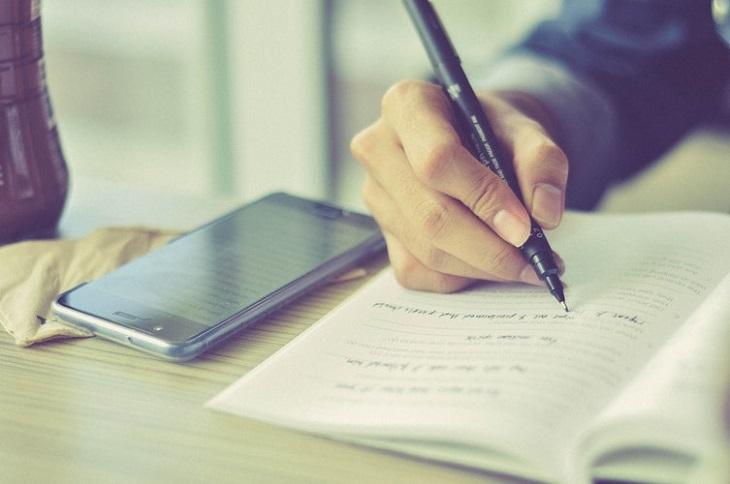 Viết nhật ký cũng là cách giải tỏa cảm xúc vô cùng hiệu quả
