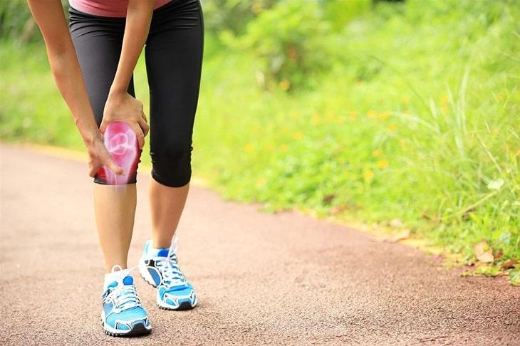 Bị thoái hóa khớp gối có nên đi bộ để tăng độ linh hoạt khớp