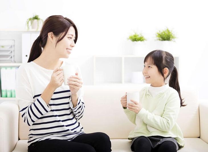 Sữa ấm sẽ giúp trẻ dễ đi vào giấc ngủ hơn