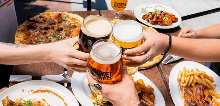 Bệnh vảy nến kiêng ăn gì - Hạn chế tiêu thụ rượu bia bởi chúng không tốt cho sức khỏe