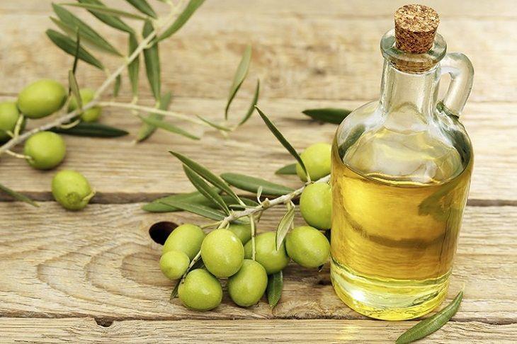 Dầu olive có chứa nhiều dưỡng chất tốt cho người bệnh vảy nến