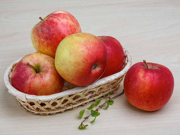 Người viêm dạ dày nên ăn nhiều táo