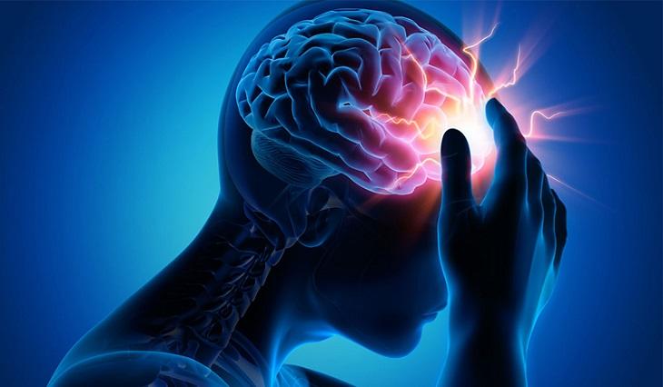 Người bị thiếu máu lên não thường có triệu chứng mất ngủ, đau đầu, chóng mặt, hoa mắt,...