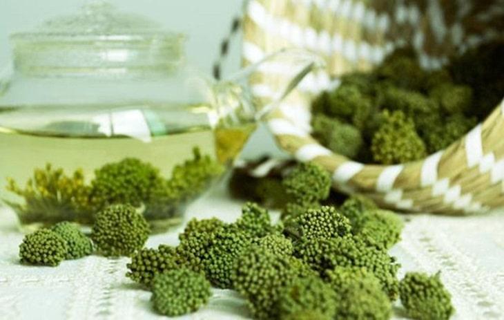 Hoa tam thất được áp dụng trong nhiều bài thuốc để điều trị mất ngủ