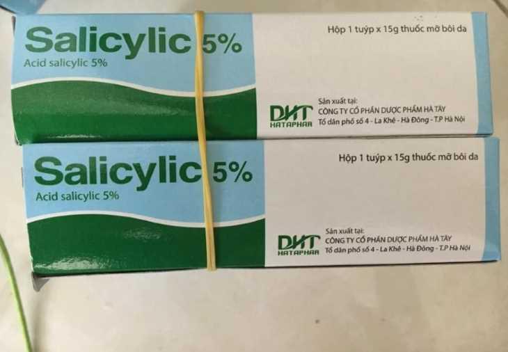 Thuốc bôi Axit Salicylic có tác dụng làm mềm da, bong vảy sừng