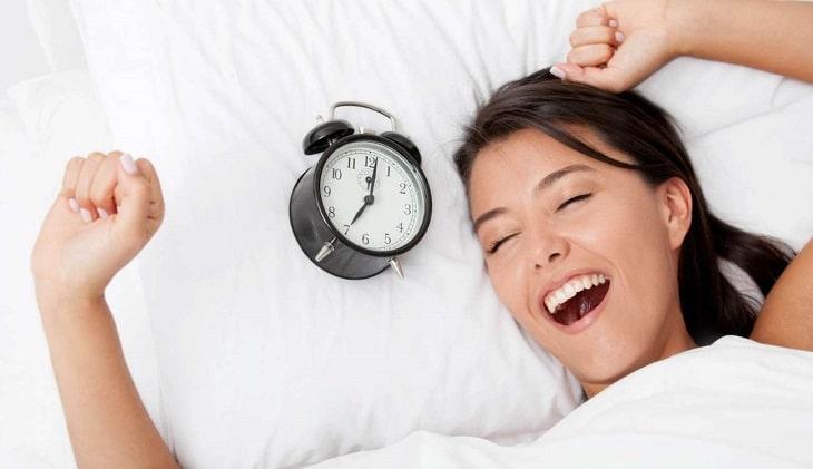 Bạn hãy cố gắng tập thói quen đi ngủ sớm
