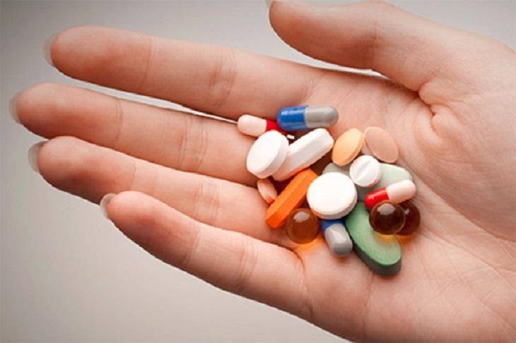 Tùy theo mức độ bệnh lý bác sĩ sẽ có sự chỉ định đơn thuốc phù hợp với bệnh nhân bị vảy nến