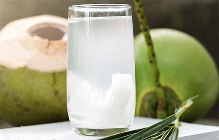 Dừa tươi cung cấp lượng khoáng chất dồi dào cho cơ thế
