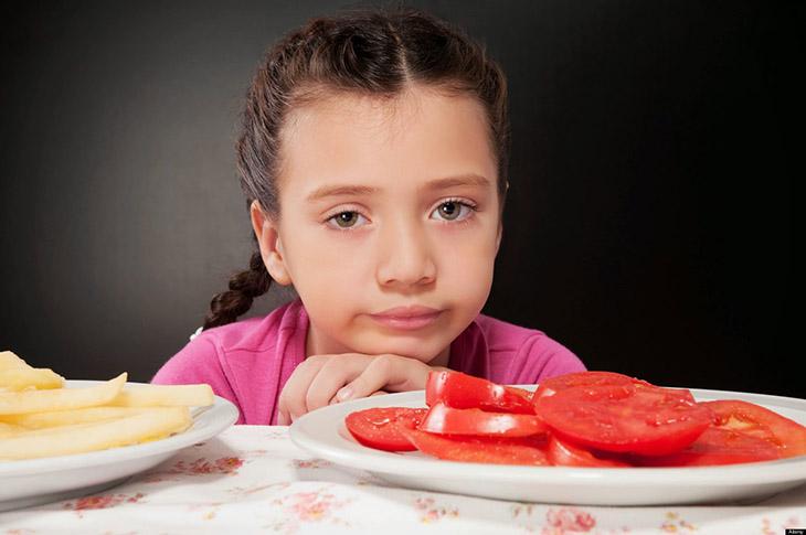 Thói quen ăn uống thiếu khoa học ở một trong những nguyên nhân gây bệnh