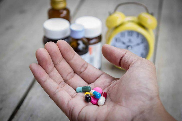 Một số loại thuốc dạng uống có tác dụng giảm nhanh triệu chứng á sừng nhưng để lại nhiều tác dụng phụ