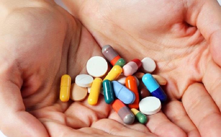 Bệnh nhân điều trị theo tây y sẽ được kê đơn kết hợp 2 loại thuốc chống trầm cảm và dưỡng an thần