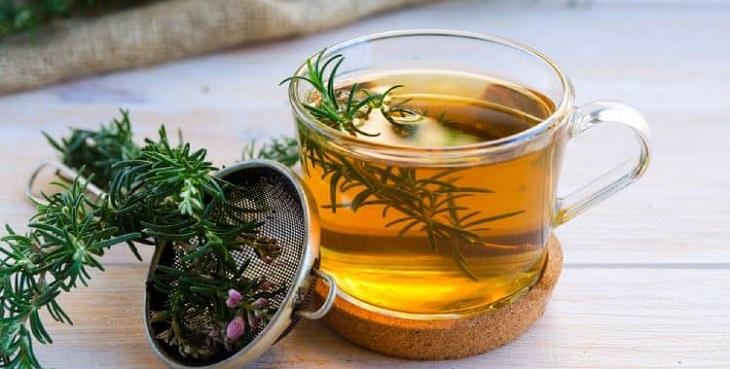 Trà hương thảo với mùi hương dễ chịu giúp người thưởng trà giải tỏa áp lực