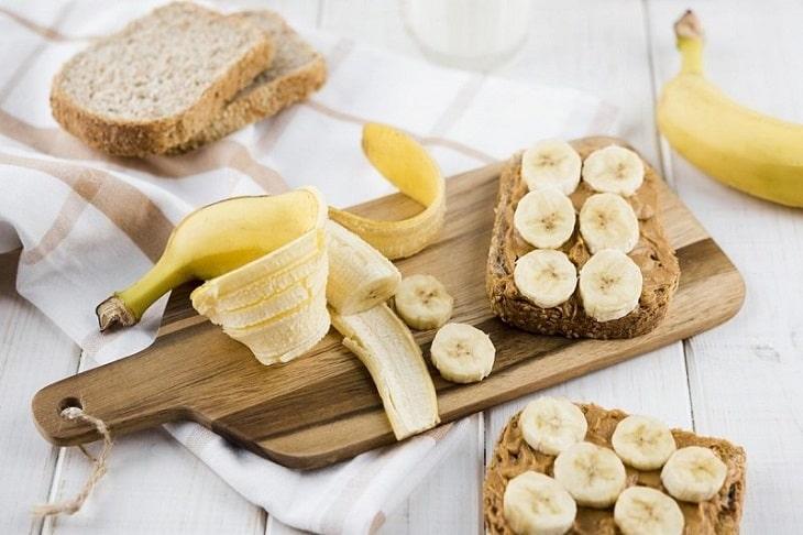 Bổ sung chuối vào chế độ ăn uống hằng ngày và nhớ một vài lưu ý