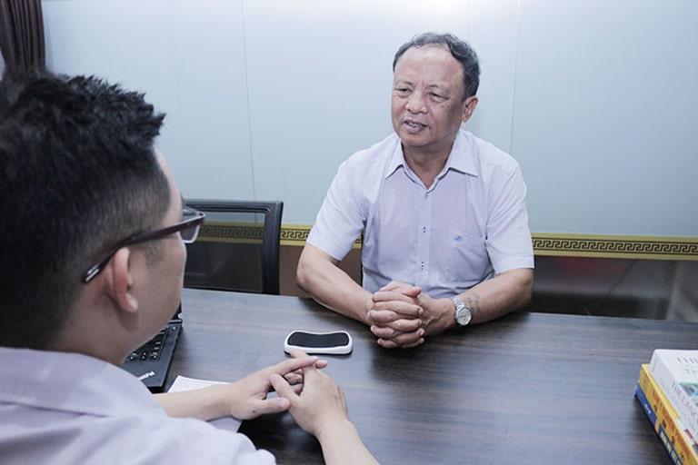 Chú Nho thăm khám bệnh tại Đỗ Minh Đường