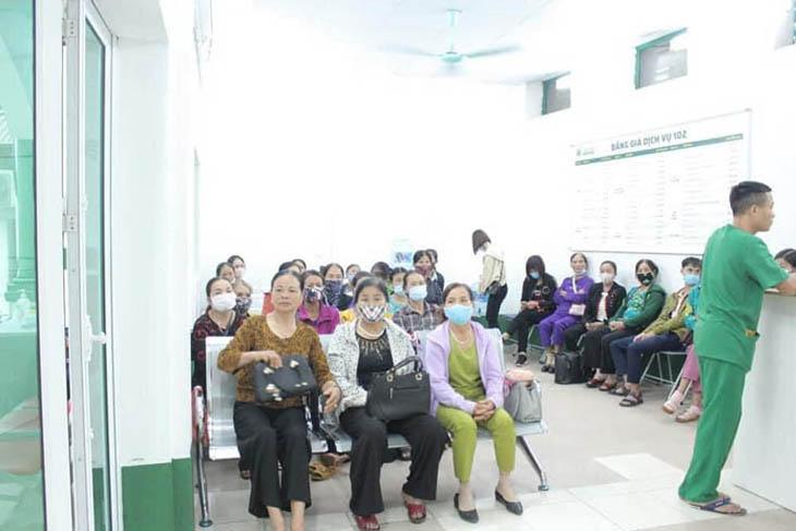 Bệnh nhân tại Tổ hợp y tế Quân dân 102