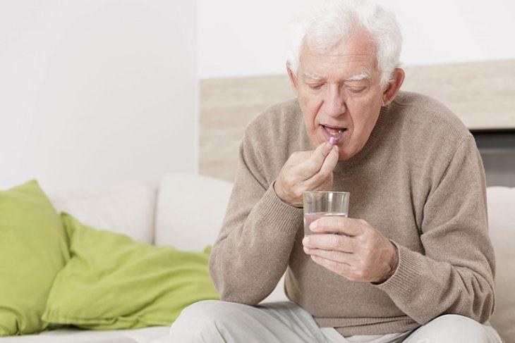 Người già, người gặp phải các vấn đề về xương khớp có thể sử dụng sản phẩm này