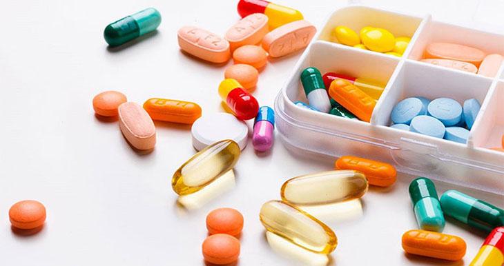 Sử dụng các loại thuốc Tây nhằm cải thiện triệu chứng của bệnh nhanh chóng