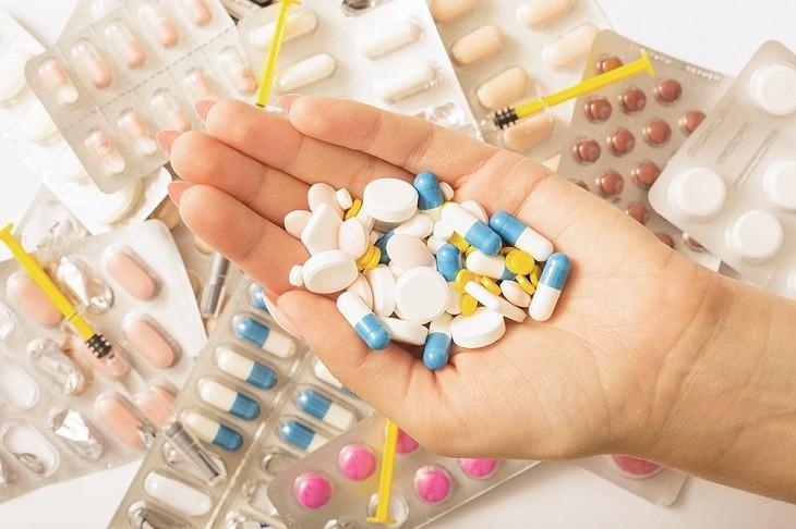 Thuốc Tây y điều trị bệnh trào ngược dạ dày