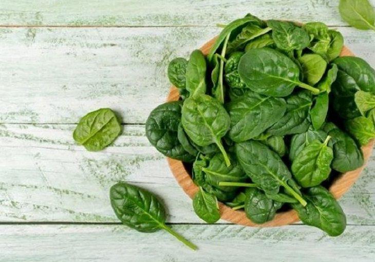 Khi bị trào ngược dạ dày nên ăn rau chân vịt