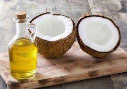Trị á sừng bằng dầu dừa - Đúng cách mới hiệu quả